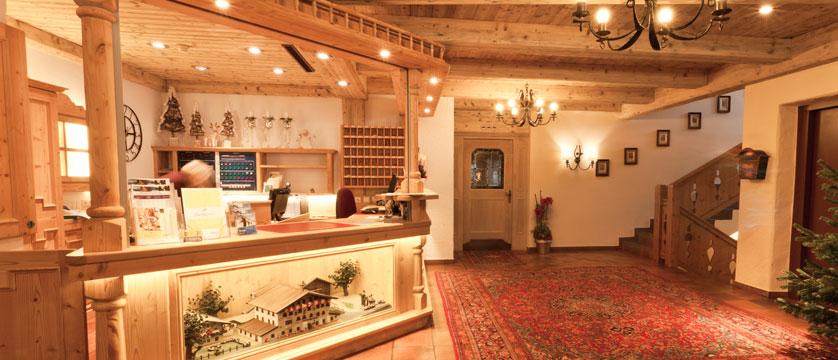 austria_soll_hotel-postwirt_reception.jpg